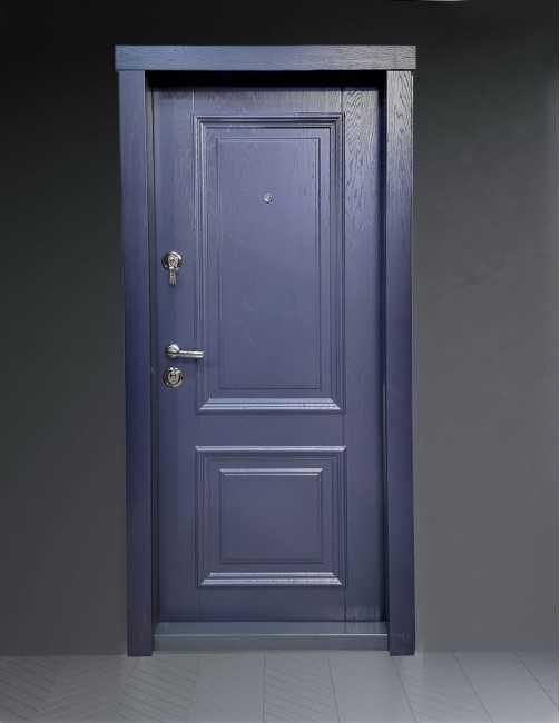 Ușă intrare apartament Laura
